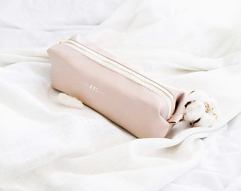 Beige Pencil pouch / off pink monogramed pencil case leather / nude pink pen bag / personalized pencil case / Leather pen case / Pen pouch