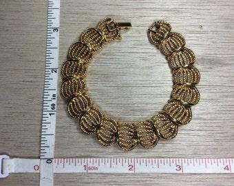 "Vintage 7.5"" Trifari Gold Toned Bracelet Gently Used Lot H"