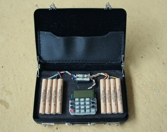 1/6 Scale Miniature Briefcase with Simulated IED Explosive Bomb