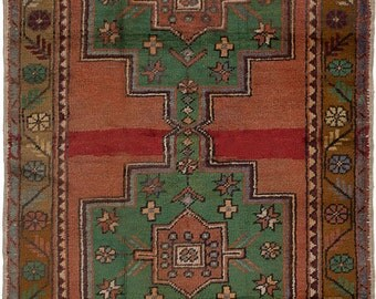 "4'5"" x 9'0"" Vintage Turkish Anadol Rug"