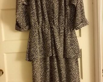 Stuart Alan/ Navy Blue and White Polka Dot Dress/Long Sleeve/Peplum Waist Detailing/Size 16