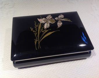 Vintage Alabaster - box jewelry genuine black Alabaster - motif of gilded Lily - brass hinge / / made in Italy