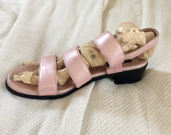 Iridescent Light Pink Leather Sandals Women's size 8