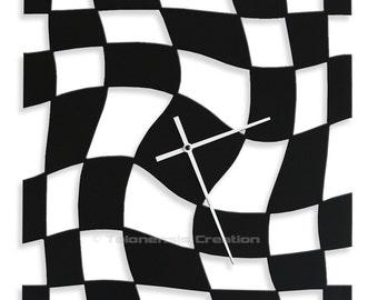 Design clock Twister