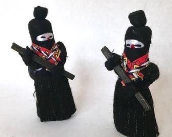 Pair of Comandante Marcos figurines. Folk art. Mexican folk art. Mexican figurines. Folk figurines. Textile art. Woolen figurine. Ethnic art