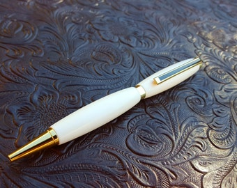 Pearl White pen with Gold trim