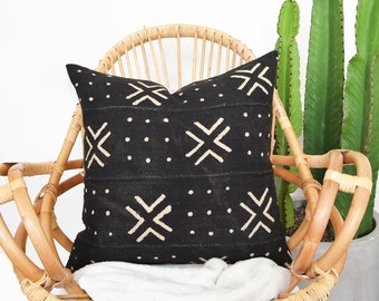 Africa Mudcloth Pillow, Black Mudcloth Pillow, African Mudcloth, Boho Pillow, Tribal Pillow, Lumbar Pillow, Mud Cloth, African Fabric,Ethnic