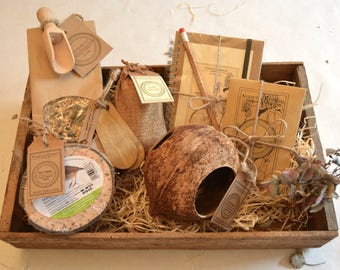 Coconut Play Bird House and Feeder // Gardener Gift // Gift Set // Gifts for Her // Gifts for Him //