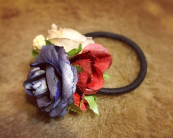 Elastic hair band with flowers