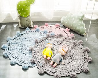 round Knit play mat for nursey
