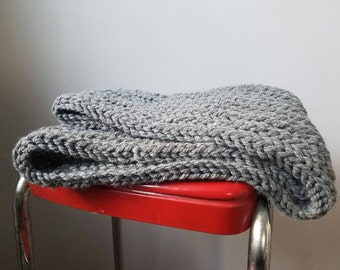 Infinity scarf//cowl//knit//hand knit//cozy//winter accessories