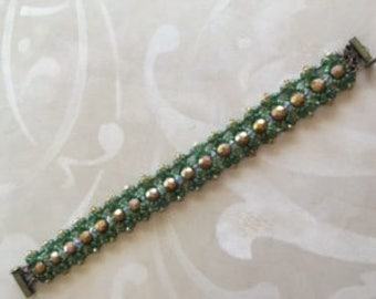 7 1/2 in beautiful bracelet that will compliment any apparal