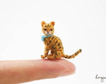 Tiny crochet cat, miniature Ocicat crochet, amigurumi tiny cat