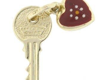 14K Yellow Gold Heart & Key Charm Pendant - 1.7 Grams