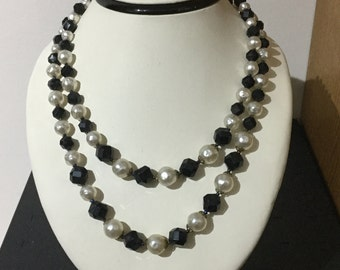 Vintage Simulated Pearl and Black Faceted Bead Necklace