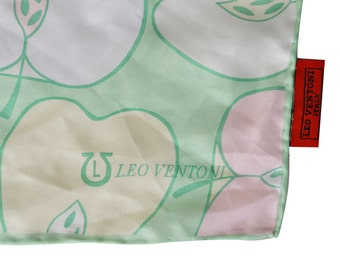 Vintage Leo Ventoni Italy women scarf 100% silk pattern apples and pears