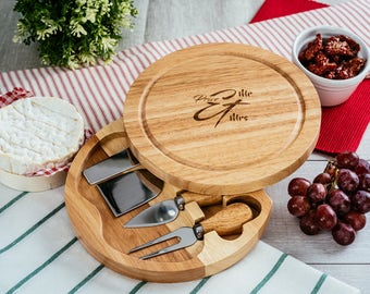 Personalised round wooden cheese board set