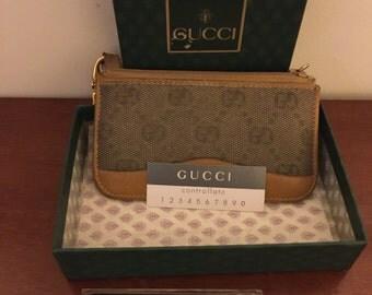 Gucci purse coins/ key