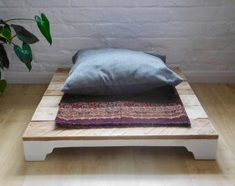 phāsu Meditation Plinth (1/2 proceeds for charity)