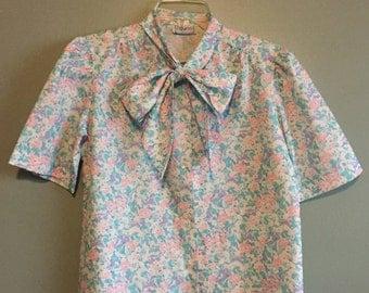 SALE - VINTAGE 90s Pastel Flower Blouse