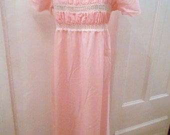 playful pink 50's vintage to shirt with lace