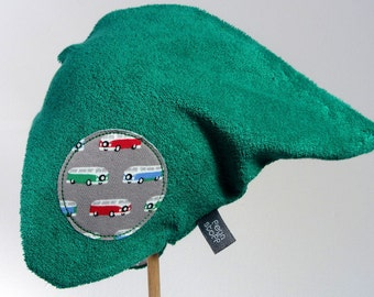 Reversible hat with retro buses