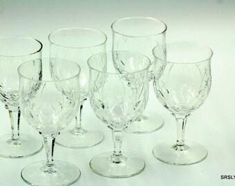 Set of 6 vintage wine glasses - pressed & wheel cut