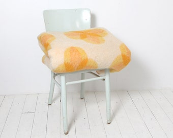 Wool blanket - Van Wijk blanket with yellow/orange flower pattern (discount only on 1 March 2017!)