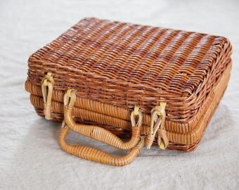 Vintage Wicker Lunch Box / Purse
