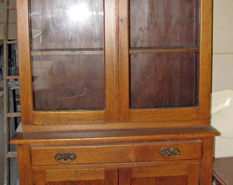 Oak Two Piece Step Back Kitchen Cabinet / Cupboard