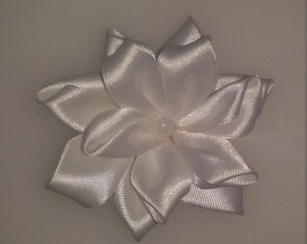 3-piece satin flowers