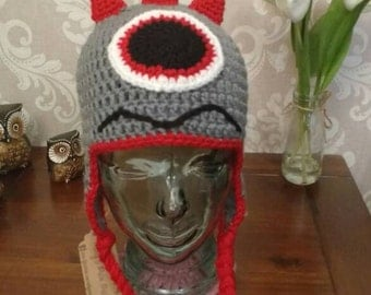 Crochet monster hat in grey and red age 3-10 years