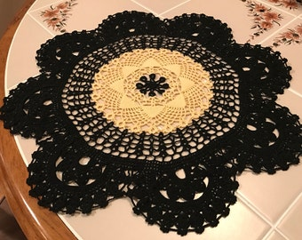 Black n Yellow Blossom Centerpiece Doily