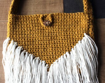 Mustard cover with fringes