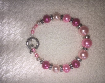 Colorful Beaded Bracelet (Light Pink and Bright Pink Beads)