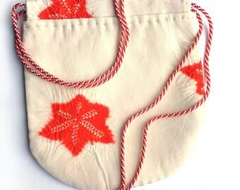 Small pouch in vintage kimono fabric (101)