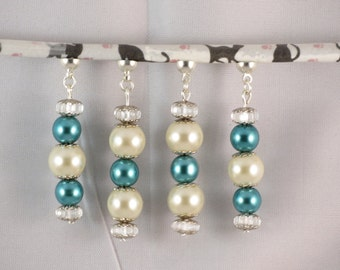 "Two pairs of earrings, blue and white beads, MoovClipEar, Collection ""DeuxPareillées""®"
