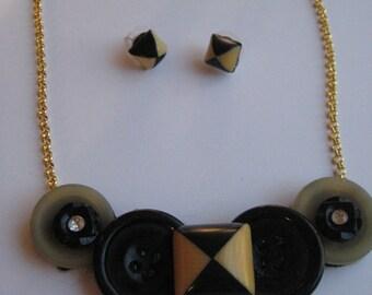 Vintage button necklace & earring set