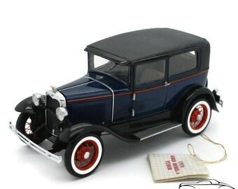 FRANKLIN MINT 1930 Ford Model A Tudor Pebble Beach Ltd Ed Diecast 1:24 Scale FM-0288-30/05
