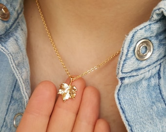 18k Gold Maple Leaf Necklace, Canada necklace,Maple Syrup necklace,Leaf necklace,Birthday gift,Bridesmaid Gift,Christmas gift