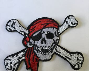 Skull & Crossbones Pirate Embroidered Patch  Iron Or Sew