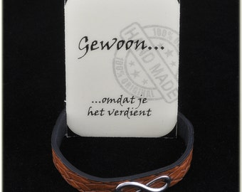PU leather bracelet with infinity sign. In order to seal a friendship and/or love. In brown or green