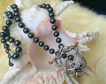 Octopus' Garden ~ Hand-knotted Swarovski Tahitian Pearl Necklace with Octopus Toggle Clasp