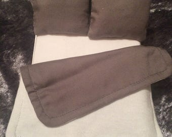 Miniature dollhouse bed linen. Grey and white reversable doona and matching grey pillows