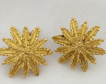 "Vintage earrings type clips on ""Avon"" romantic gold 3D"