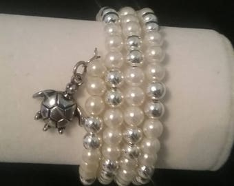 White Pearl and Silver Memory Wire Braclet with Charm