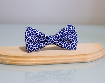 Bow tie for female blue patterned white