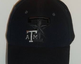 Vintage Baseball Cap Texas A&M University College Hats Texas A and M Texas Aggies Embroidered Black Hat Size M/L  Dorm Gifts T31 MA7160