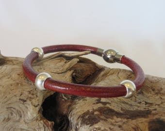 Women's Leather Bracelet with magnetic clasp