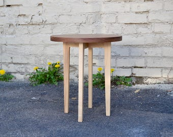 Discovery Accent Table